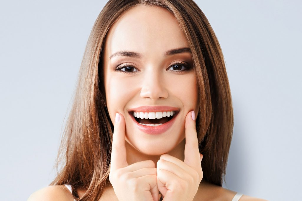 Hollywood Smile - Medworld Clinic