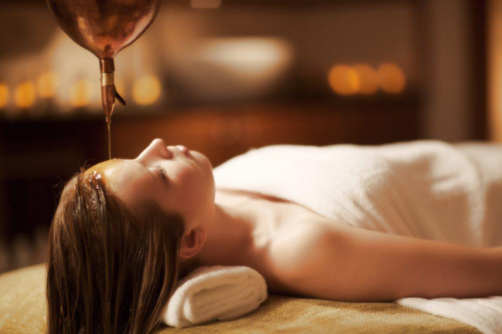 Shirodhara - Ayurveda Therapie